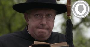 A origem e o segredo do padre detetive